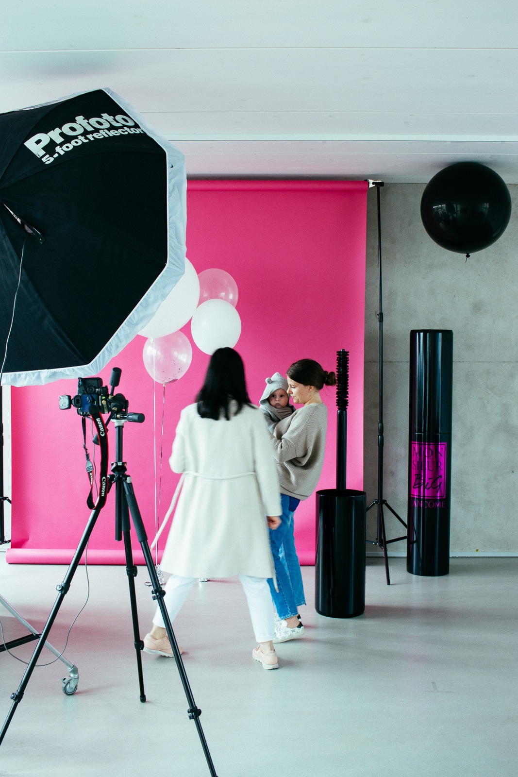 Shooting area pink wall lancome Mr.Big