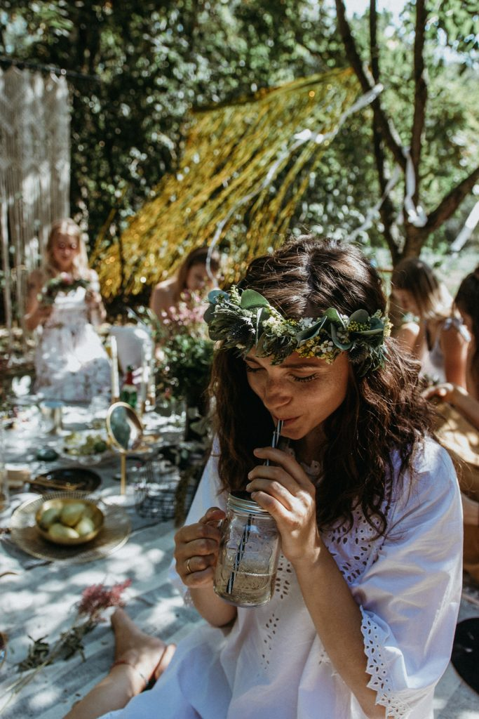 Vintage Boho Picknick Premium Junggesellinnenabschied Deluxe Ideen JGA Sommer outdoor event Folklore wedding picknick bride to be flowercrown